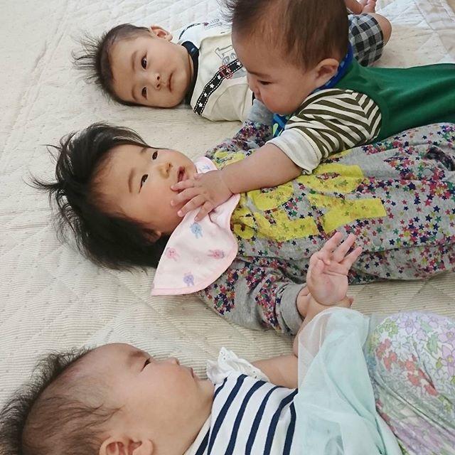 お教室していると赤ちゃん同士の触れあいも#わらべうたベビーマッサージ#赤ちゃん#お教室#コミュニケーション#可愛い