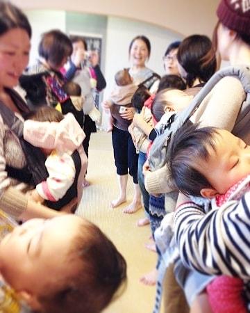 【嬉しい効果いっぱい】1か月でウエスト4㎝ダウンズボンのサイズがワンサイズ小さくなった母乳の出が良くなった気が付いたら、最近尿漏れが気にならなくなっていた寝かしつけに役立っている正しい姿勢での抱っこで赤ちゃんが愚図らなくなった寝かしつけ時に精神的なストレスがあったが、自分の骨盤ケアの為にもなると思えてストレスが減った #わらべうたベビーマッサージ #産後ダンス #ダイエット #骨盤ケア #尿漏れ #ストレス発散 #抱っこ #寝かしつけ