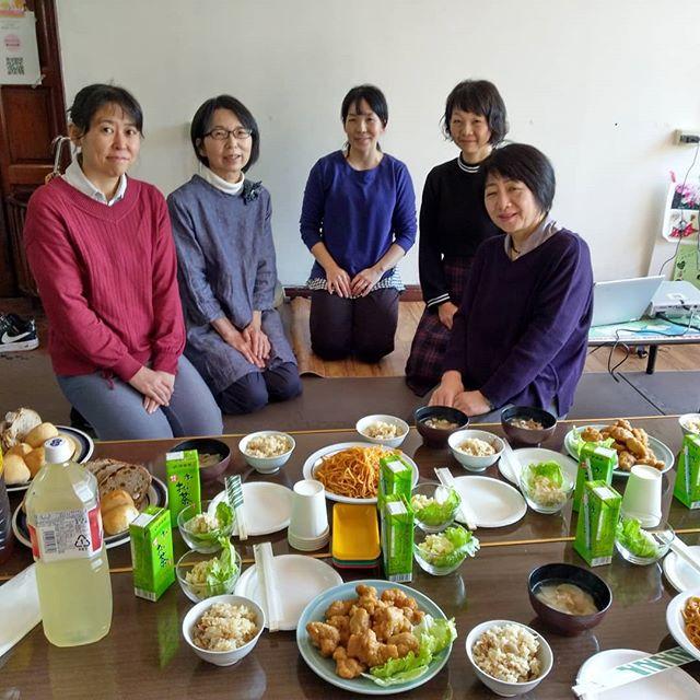 広島での親睦会です。ご馳走の準備ありがとうございました。この会場には。モンテッソーリの教材がおいてありました。#ベビーマッサージ#わらべうた#わらべうたベビーマッサージ#切れ目ない子育て#親バカ#習い事#赤ちゃんと習い事 #赤ちゃんのいる生活 #子育て