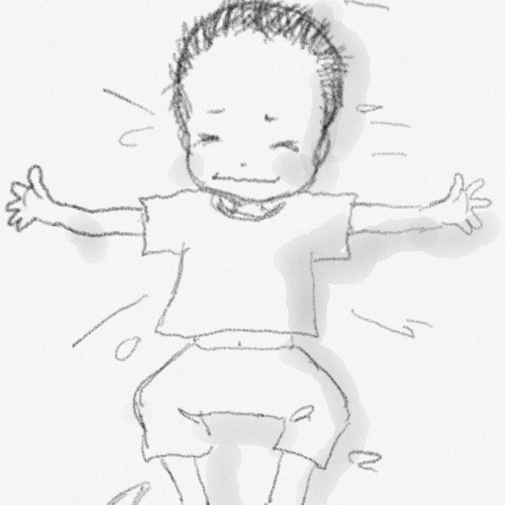 【キャリアオイルの消費期限】昨夜 久しぶりに小4の四男に あららハート♪ /を、寝る前に行いました(^^♪「ママの手があったかい(*'ω'*)」と、褒めてもらいました。今の時期半そでで寝ていますので腕が知らず知らず冷えているようですオイルなしでも数分でも素敵な親子の時間が過ごせました★オイルといえばそろそろベビマレッスンを対策を立てつつ開始されるわらベビ講師も多いかと思いますお教室を始める前にオイルのチェックもお忘れなく。。オイルには消費期限がございます種類により開封後3ケ月しかないものや6カ月、1年など、、、期限の切れたオイルは酸化しており匂いが変わっていたり粘度がでてきたりしますお肌に塗布する大切なオイルですのでしっかり管理が必要ですね今一度お手持ちのオイルの確認をお願い致します(^^)大切なお教室開催のために研究会も応援しております♡仙台:おおうち#わらべうたベビーマッサージ#わらべうた#ベビマ#オイル#ベビマオイル(Instagram)