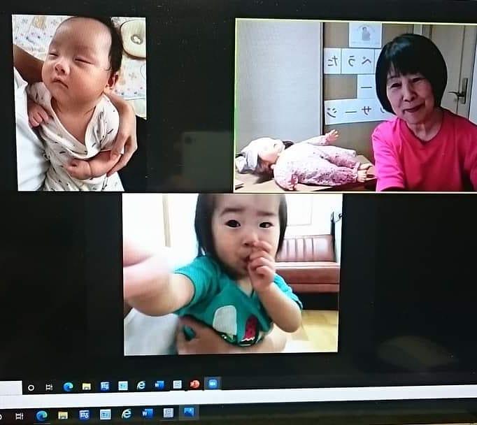【 #教室ご紹介 】 「山口県 #下松市コロナウィルス感染症の影響で子育て中のママたちの行き場が制限される中、今私に出来ることは何かびっくりマークを考え現在は「 #オンラインベビマ 」を開催しています。内容は「 #わらべうたベビーマッサージ 」を主に #手遊び #ふれあい遊び #絵本の読み聞かせ 等々参加者のご希望に合わせて進めています。少しでもママたちの気分転換になって頂けるます様に表情にこにこ➀わらべうたベビーマッサージ➁山口県下松市➂8/12 8/26 9/16 9/23(オンライン)⓸gen-1991-1105-yuri-2229@docomo/ne.jp➄本馬百合子➅https://profile.ameba.jp/ameba/kh-02020903(Instagram)