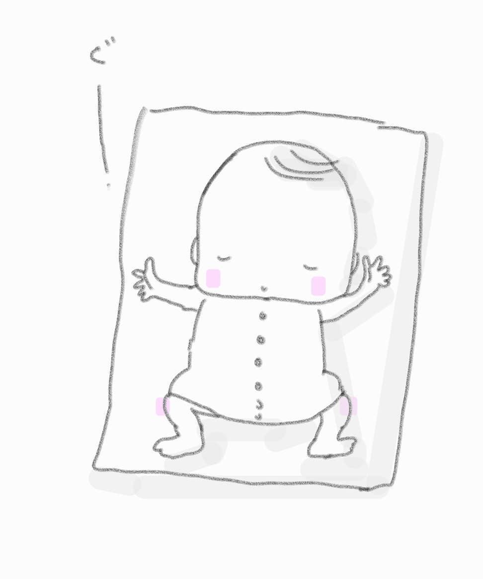 【あららハートの前に寝ちゃった!】ママの笑い声をたっぷり聞いていたらあららハートのベビマの前に気持ちよくて寝ちゃった!先週のお教室でそんな2組の赤ちゃんがおりました(o^-^o)\  すごーい.:*:・'°☆ すごーい.:*:☆ /まわりのママたち♡わらべうたベビーマッサージは不思議な力をもっています聴いたらママも楽しくなっちゃう~*さわって歌われたら赤ちゃんも楽しくなっちゃう~*みんなで楽しく今日も子育てできるといいな。今日もたった10分でもわらべうたベビーマッサージしてみましょう♡仙台:おおうち#子育て#わらべうたベビーマッサージ#寝かしつけ(Instagram)